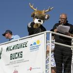 Bucks hit the the golf course to raise money to fight cystic fibrosis: Slideshow