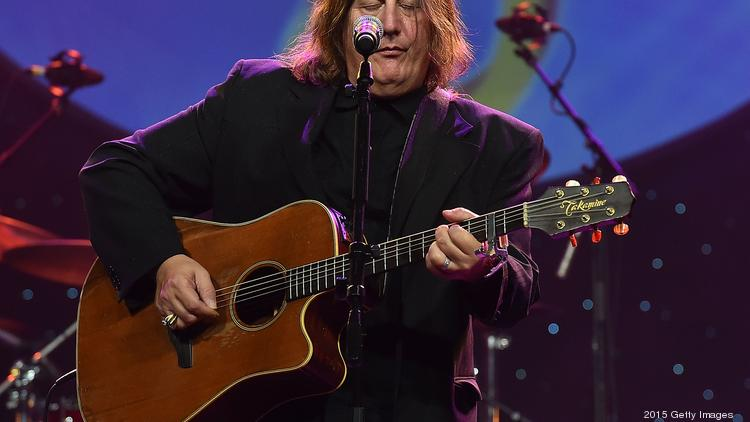 ATLANTA, GA - SEPTEMBER 26: Kevn Kinney of Drivin' 'N' Cryin' performs onstage at Georgia Music Hall Of Fame Awards at Georgia World Congress Center on September 26, 2015 in Atlanta, Georgia. (Photo by Paras Griffin/Getty Images for the Georgia Music Hall of Fame)