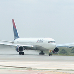 Delta and pilots union resume contract talks