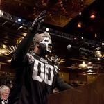 Raiders score Coliseum season-ticket sellout on way to Las Vegas