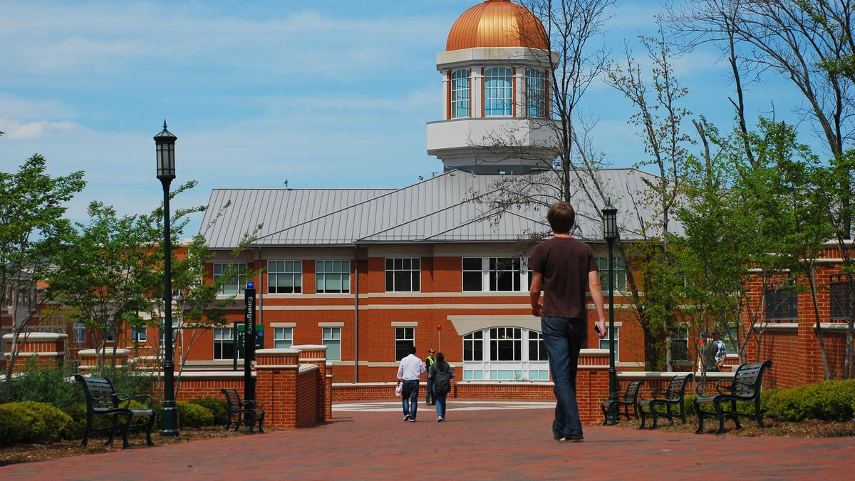 BUZZ: Deadly campus shooting at UNC Charlotte rocks community