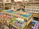 Sprouts opens new location in Queen Creek, stock takes hit following quarterly results