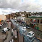 Poll: Border cities oppose wall between communities