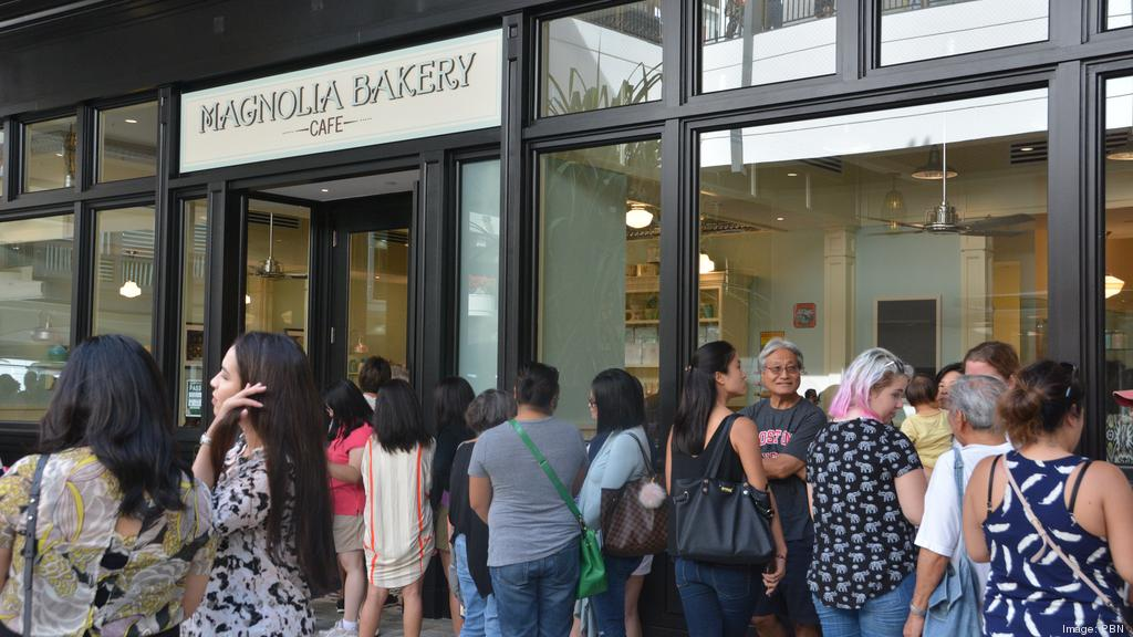 Crowds greet Magnolia Bakery, The Lego Store and other retailers at ...