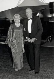1989 The Cynthia Woods Mitchell Pavilion, a 19,500-seat entertainment amphitheatre, opens in the Woodlands with concerts by Frank Sinatra, Clint Black and the Houston Symphony.