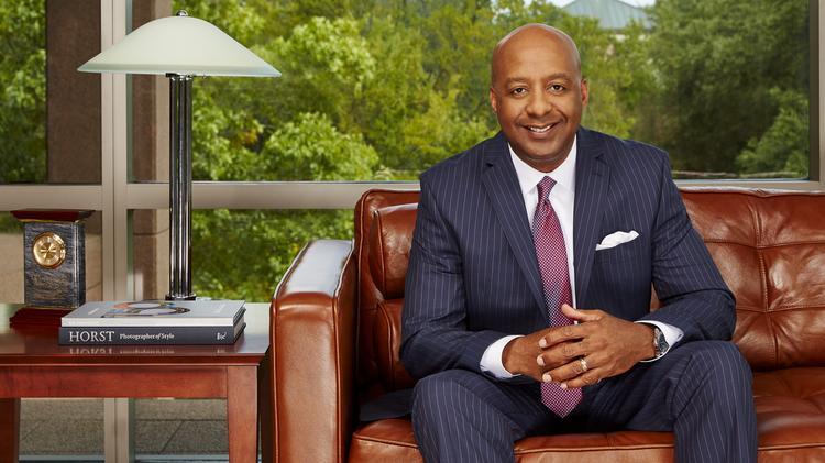 Lowe's CEO Marvin Ellison pledges changes at home