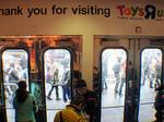 Toys 'R' Us closing all stores, 33,000 jobs at stake
