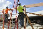 Construction spending rises amid private-sector demand