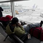 Airlines cancel 2,500 flights before winter storm hits East Coast