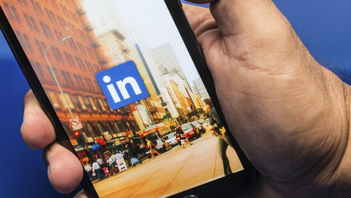 The one sentence your LinkedIn profile must have