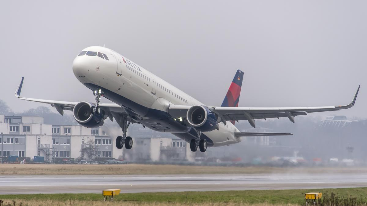 Boeing hints that it lost Delta's 100-jet order to Airbus over price