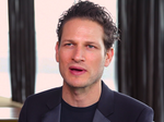 Uri Minkoff's radical change to the fashion industry has paid off (Video)