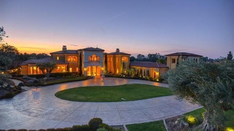 Sprawling $6 million Granite Bay mansion is swimming in