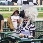 PHOTOS: Aerial acrobatics, Shakespeare and racing at Churchill Downs