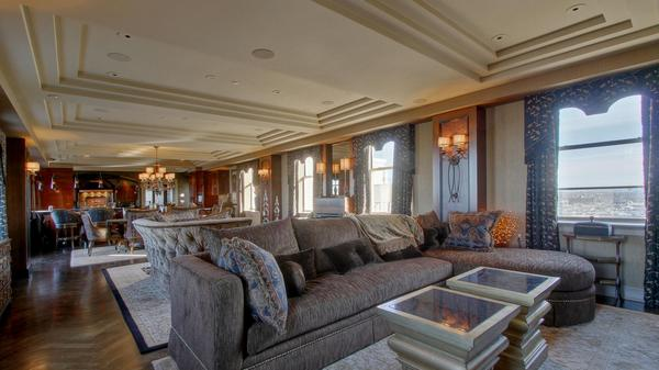 Luxury Penthouse In The Heart of KC!