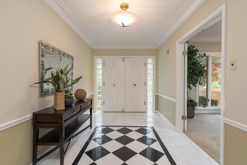 Foyer Home St Louis Reims : Rambling mid century ranch in ladue st louis business
