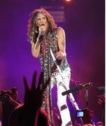 Aerosmith's <strong>Steven</strong> <strong>Tyler</strong> visits 'tiny' Bluebird Cafe