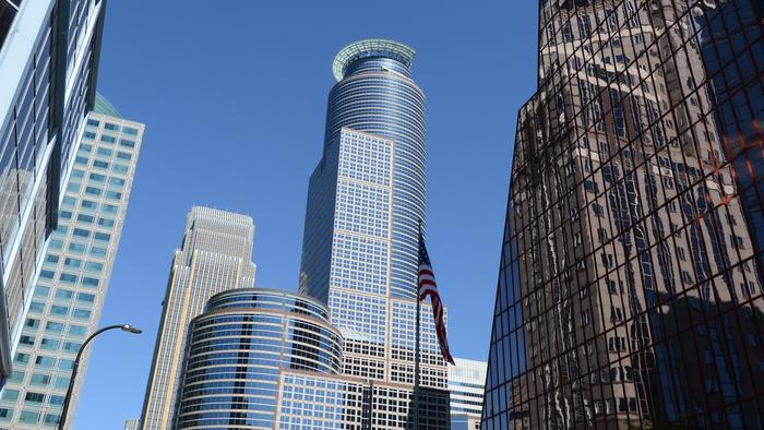 Capella Tower sells for $255M to familiar investor in Minneapolis