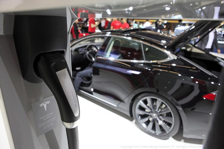 Tesla To Open Electric Vehicle Recharge Station Along I 10